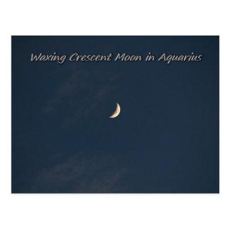 Encerar la luna creciente en acuario tarjetas postales