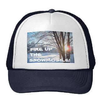 ¡ENCIENDA PARA ARRIBA EL SNOWMOBILE! Diseño del ca Gorras