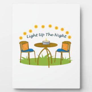 Encienda para arriba la noche placas con fotos