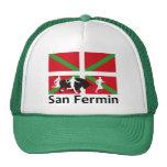 Encierro de San Fermín en Pamplona y bandera Gorro