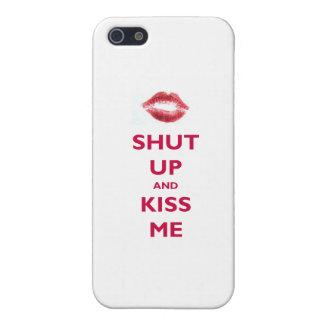 Enciiérreme y bese iPhone 5 fundas
