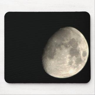 Encima de la luna cercana alfombrilla de raton