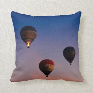 Encima en del aire - globos del aire caliente cojin