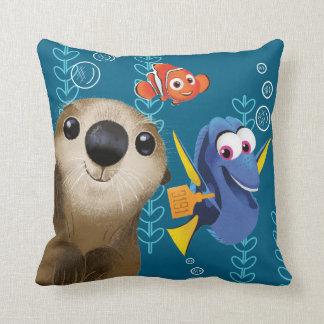 Encontrar el Dory el | Nemo, el Dory y la nutria Cojín Decorativo