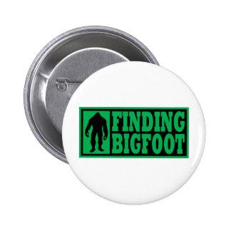 Encontrar el engranaje del logotipo de Bigfoot Pin Redondo De 2 Pulgadas