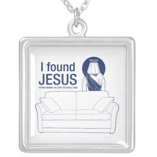 Encontré a Jesús que él era detrás del sofá el ti  Joyeria Personalizada