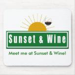 ¡Encuéntreme en la puesta del sol y el vino! Mouse Tapete De Ratones