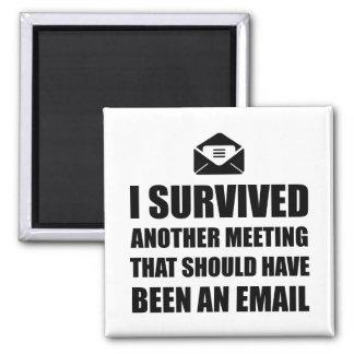 Encuentro del correo electrónico imán cuadrado