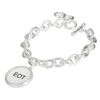 end of thread.ai bracelet