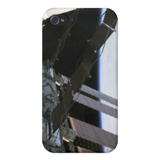 Endeavour's arm amidst International Space Stat iPhone 4/4S Case