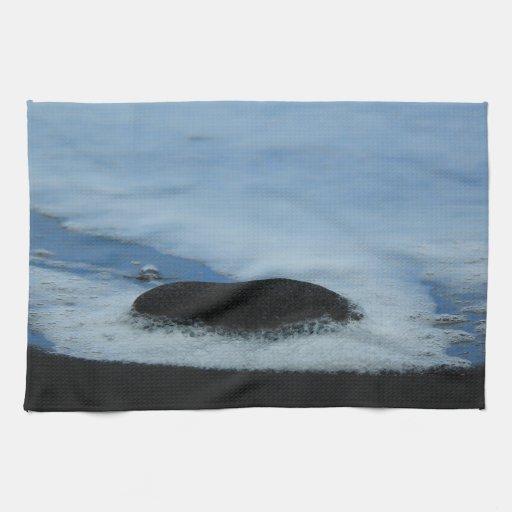 Endless waves kitchen towel