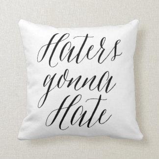 Enemigos que van a odiar la almohada moderna de la