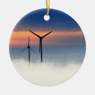Energía alternativa - energía eólica en las nubes adorno navideño redondo de cerámica