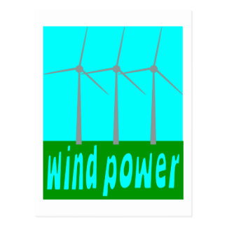 Energía eólica con las turbinas y el cielo postales