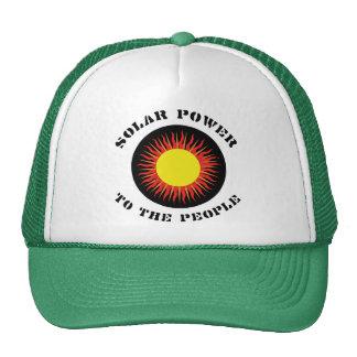 Energía solar a la gente gorras de camionero