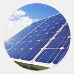 Energía solar de la energía verde pegatinas redondas