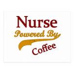 Enfermera accionada por el café postal