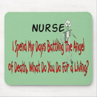"""Enfermera """"ángel de la muerte""""---Regalos divertido Alfombrillas De Ratón"""