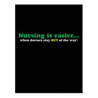 Enfermera - apenas estancia fuera de mi manera tarjetas postales