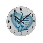 Enfermera azul de OB GYN Reloj De Pared