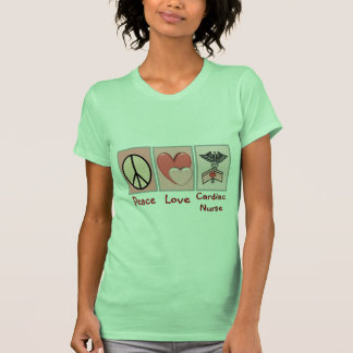 Enfermera cardiaca del amor de la paz camisetas