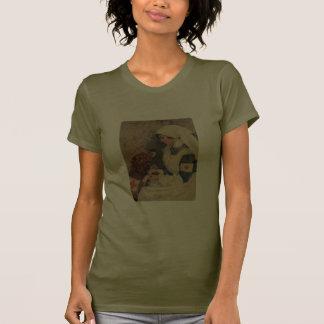 Enfermera con el vintage del golden retriever camisetas