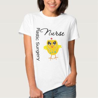 Enfermera de la cirugía plástica del polluelo v1 playera