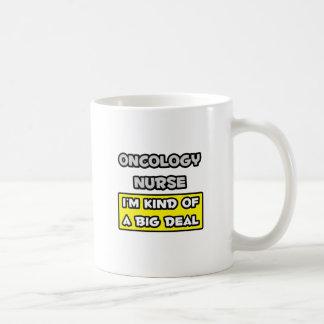 Enfermera de la oncología. Soy un poco una gran Taza