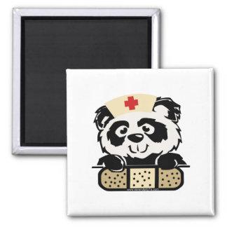 Enfermera de la panda imán cuadrado