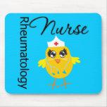 Enfermera de la reumatología del polluelo v1 de la alfombrillas de ratón