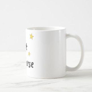 Enfermera de noche taza de café