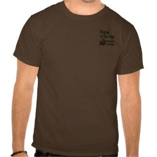 Enfermera de sexo masculino accionada por el café tshirts