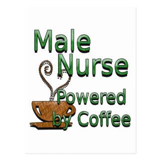 Enfermera de sexo masculino accionada por el café postal