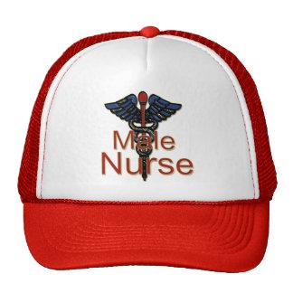 Enfermera de sexo masculino con el caduceo gorras