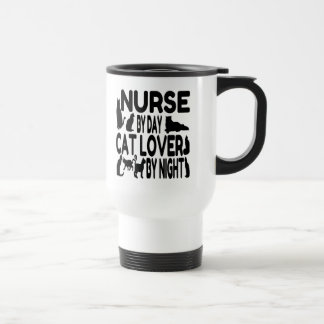 Enfermera del amante del gato del día por noche tazas