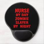 Enfermera del asesino del zombi del día por noche alfombrillas con gel