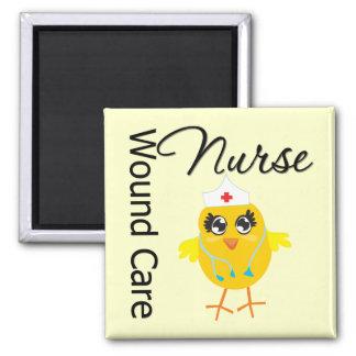 Enfermera del cuidado de la herida del polluelo v1 imán cuadrado