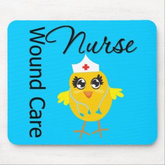 Enfermera del cuidado de la herida del polluelo v1 alfombrilla de ratones