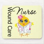 Enfermera del cuidado de la herida del polluelo v2 alfombrilla de ratón