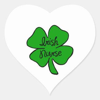 Enfermera del irlandés pegatina en forma de corazón