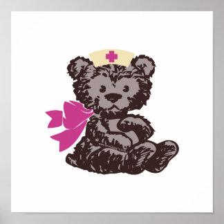 Enfermera del oso de peluche rosa posters