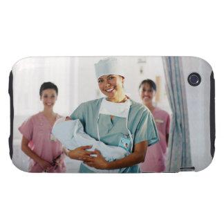 Enfermera del sitio de entrega que detiene al iPhone 3 tough carcasas