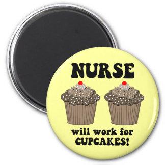 Enfermera divertida imán redondo 5 cm