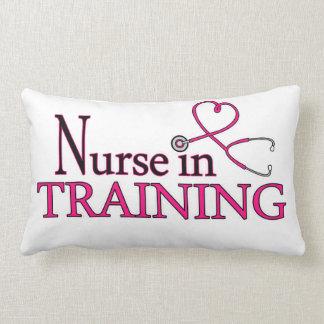 Enfermera en el entrenamiento - rosa almohada