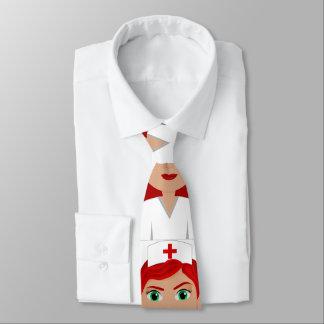 Enfermera en uniforme con la Cruz Roja Corbata Personalizada
