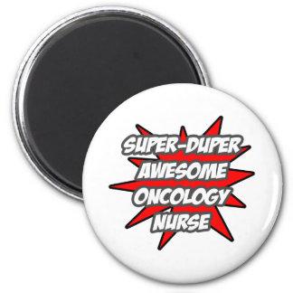 Enfermera impresionante estupenda de la oncología  imán redondo 5 cm