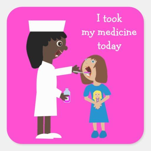 Enfermera linda del dibujo animado que da la pegatina cuadrada