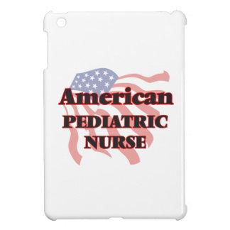 Enfermera pediátrica americana