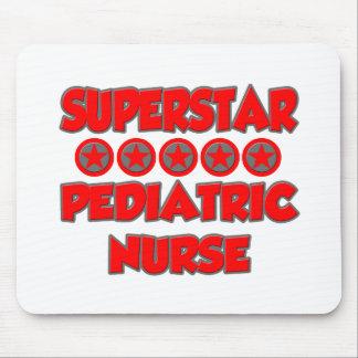 Enfermera pediátrica de la superestrella alfombrilla de raton