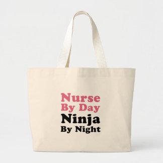 Enfermera por el día, Ninja por noche Bolsa Tela Grande